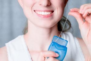 Зубная нить и кому она не нужна!
