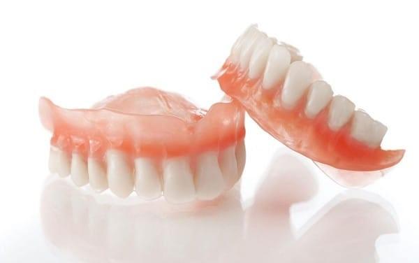 Пластиночные зубные протезы